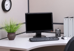 tidy-desk-office-16052011