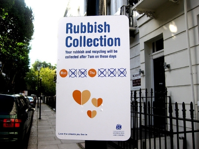Notifications and rubbish collection day | Photo by Leon Brocard - https://flic.kr/p/5urMow